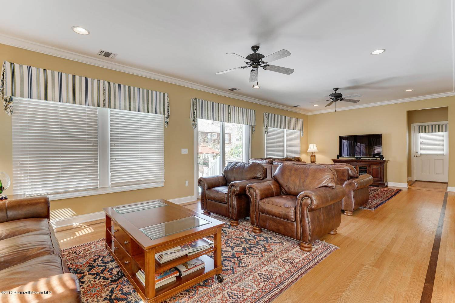 14. Single Family Homes for Sale at 28 1st Avenue Seaside Park, New Jersey 08752 United States