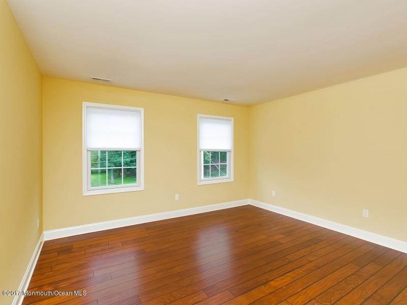18. Rentals at 29 Hillcrest Road Holmdel, New Jersey 07733 United States