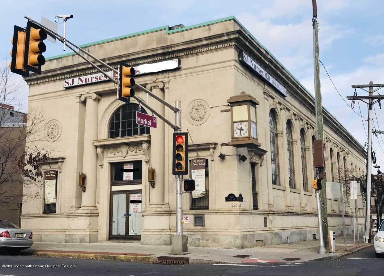 Commercial for Sale at 226 Broad Street Trenton, New Jersey 08608 United States