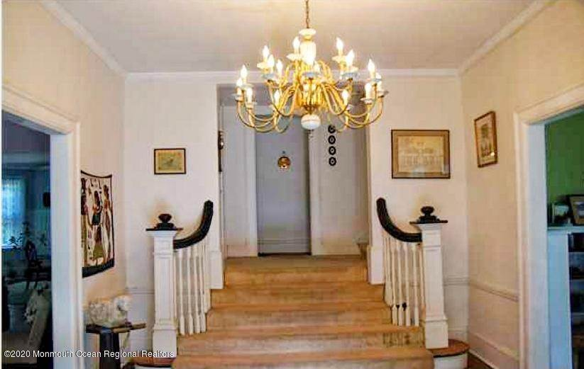 11. Single Family Homes for Sale at 435 Spring Street Little Silver, New Jersey 07739 United States