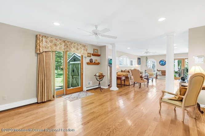 10. Single Family Homes for Sale at 248 Park Avenue Bay Head, New Jersey 08742 United States