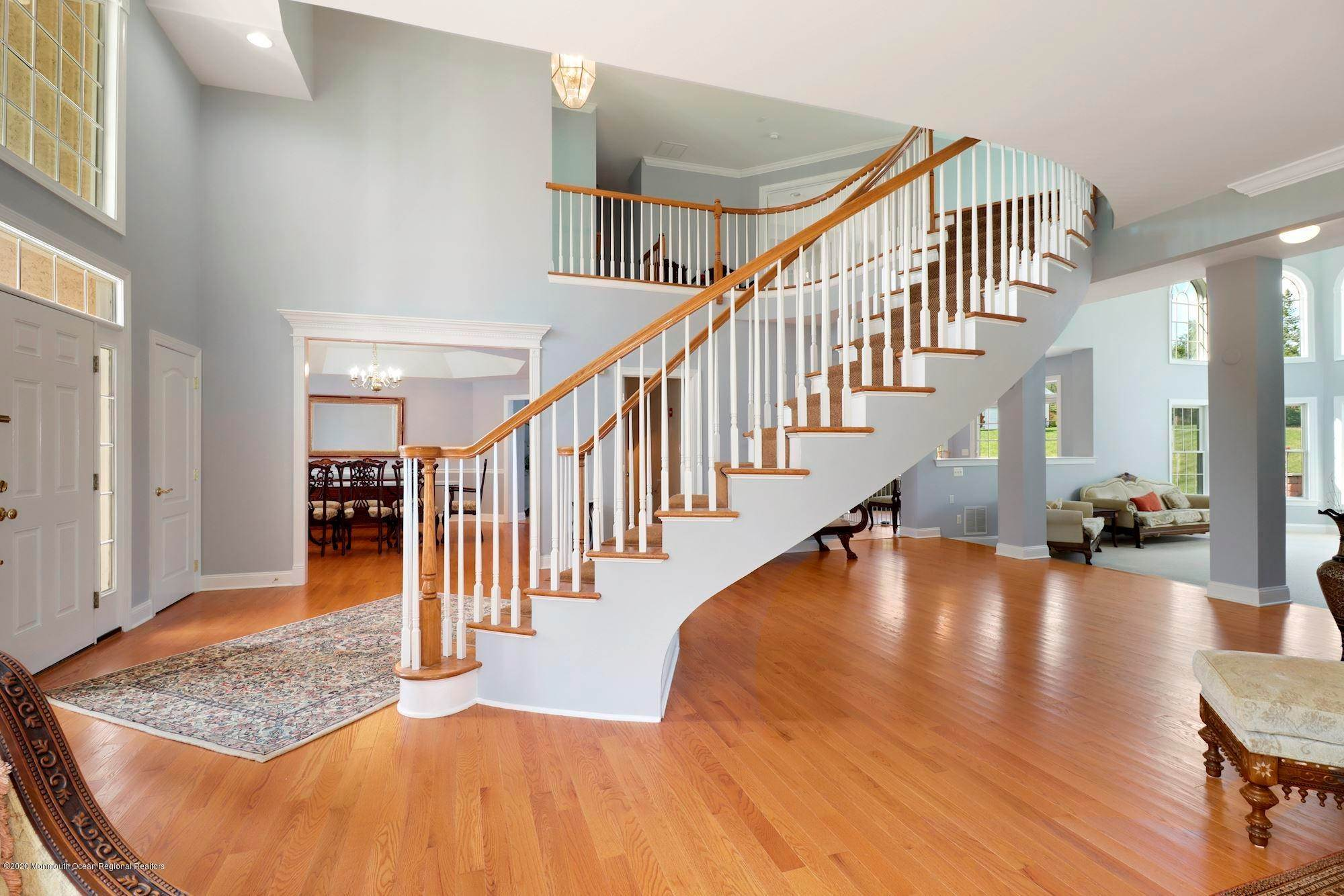 6. Single Family Homes for Sale at 2 Lecarre Drive Marlboro, New Jersey 07746 United States