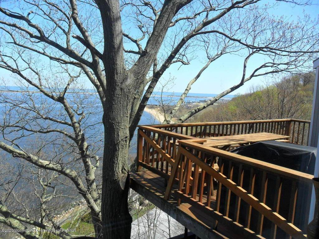 10. Single Family Homes for Sale at 1 Hillside Road Atlantic Highlands, New Jersey 07716 United States