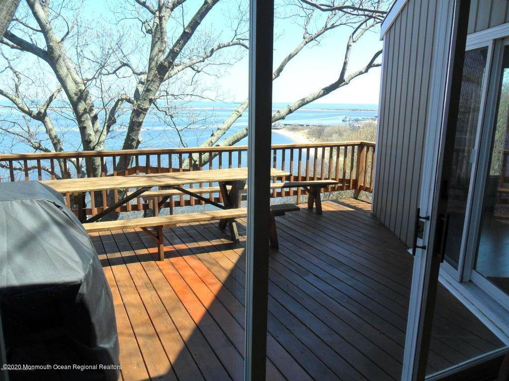14. Single Family Homes for Sale at 1 Hillside Road Atlantic Highlands, New Jersey 07716 United States