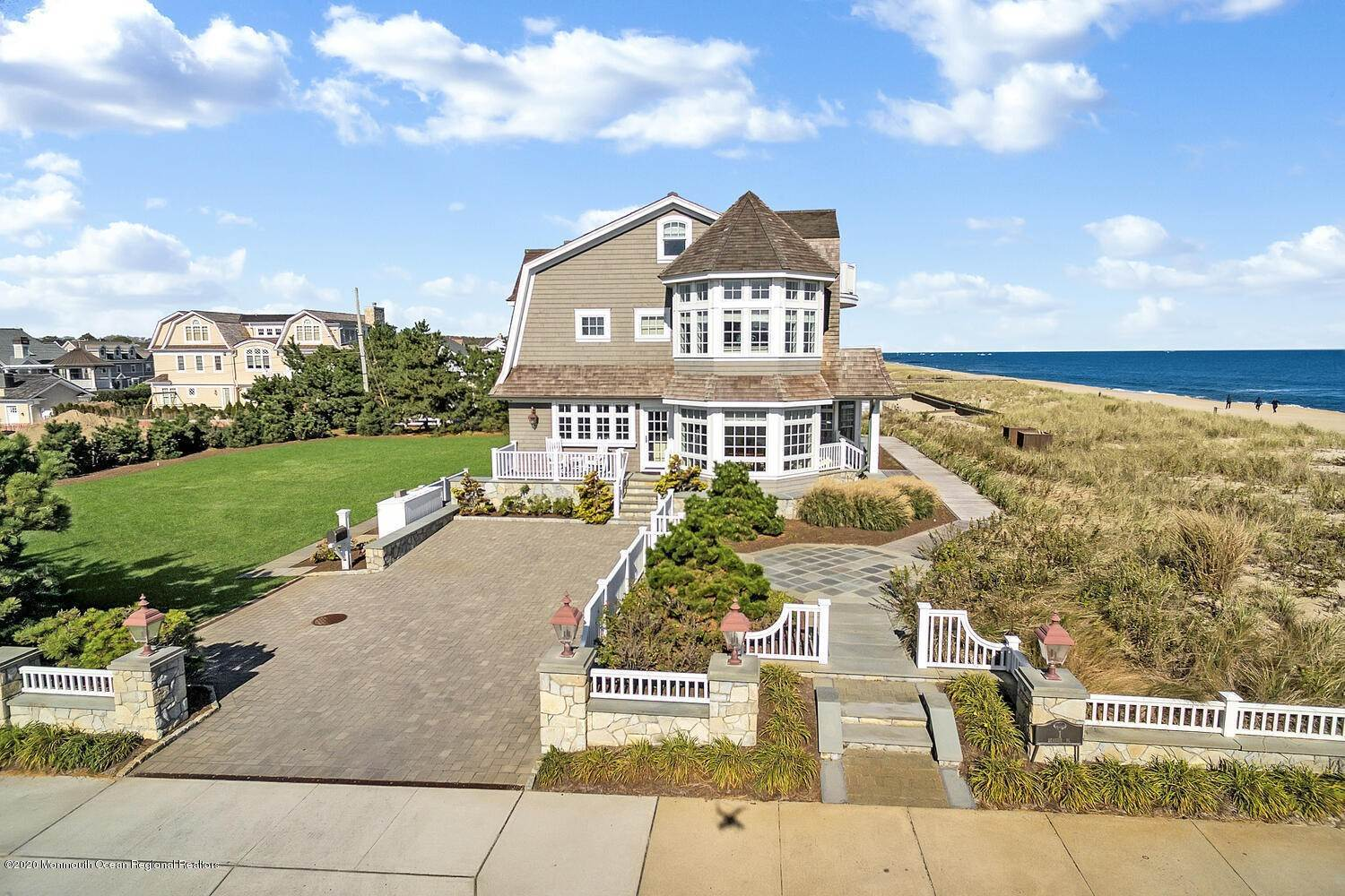 2. Single Family Homes for Sale at 903 Ocean Avenue Sea Girt, New Jersey 08750 United States