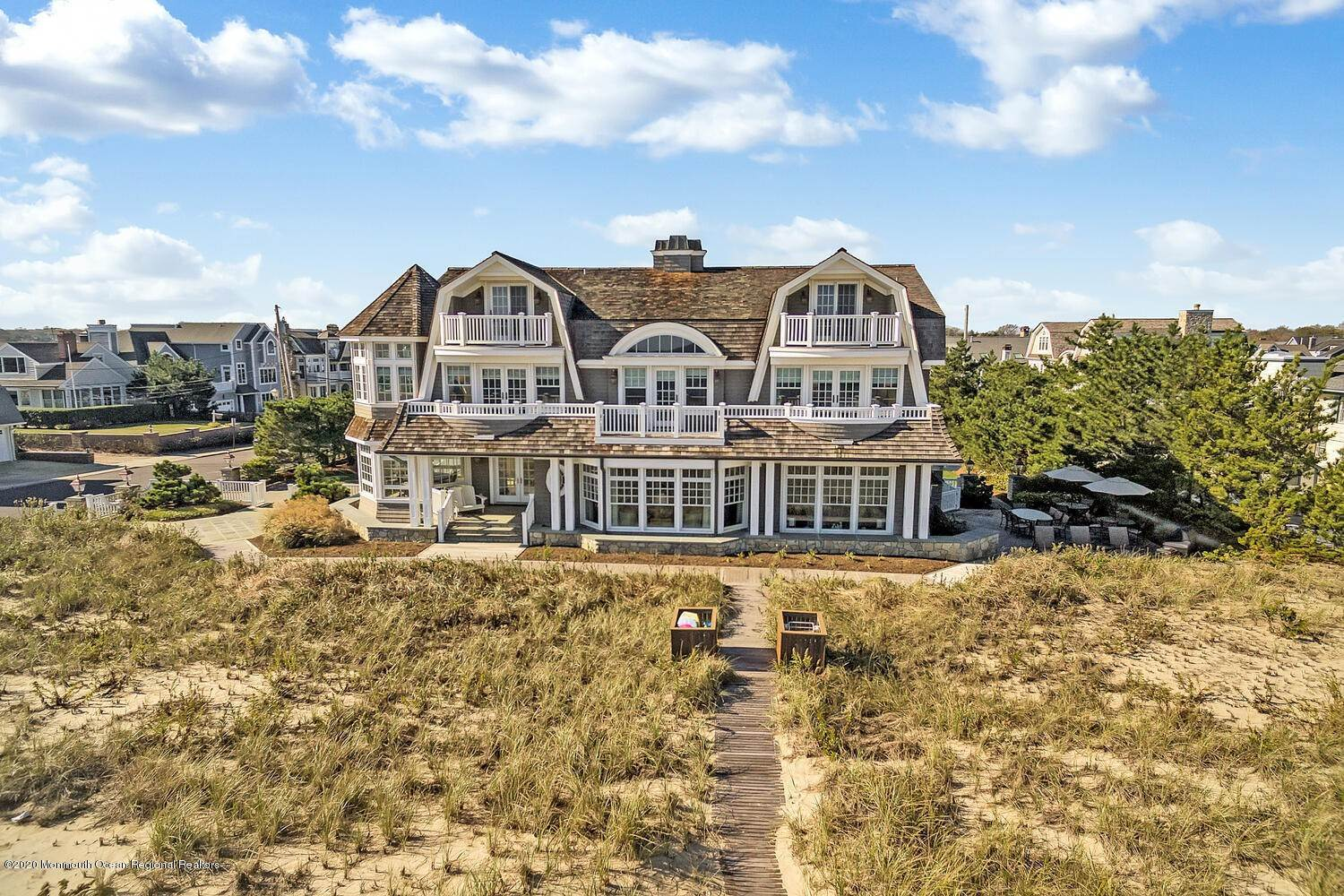 6. Single Family Homes for Sale at 903 Ocean Avenue Sea Girt, New Jersey 08750 United States