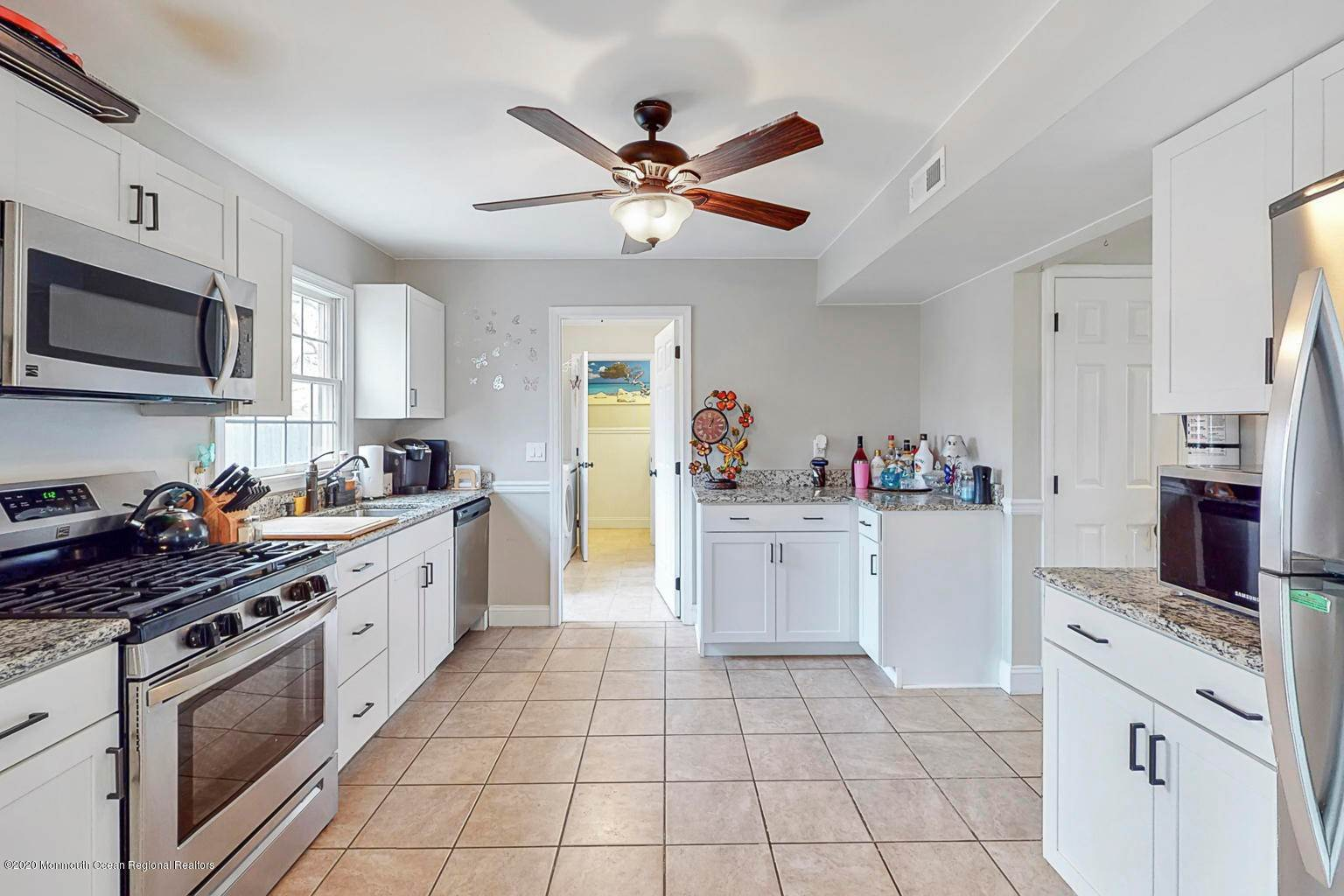 7. Single Family Homes for Sale at 136 Mooring Road Manahawkin, New Jersey 08050 United States