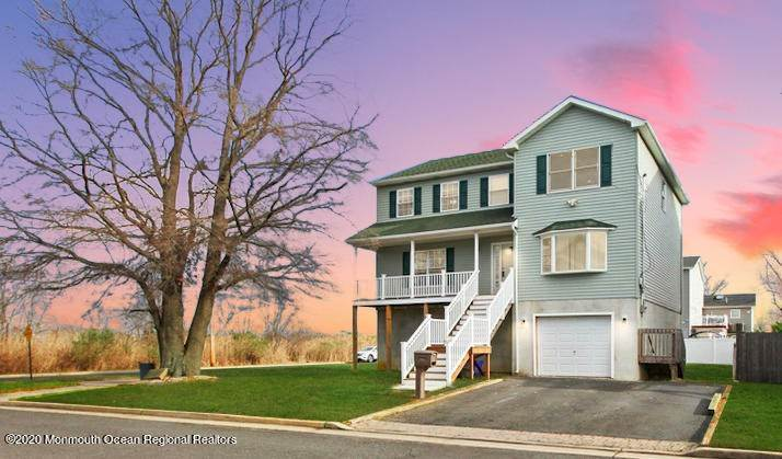 Single Family Homes para Venda às 406 Beachview Avenue Union Beach, Nova Jersey 07735 Estados Unidos