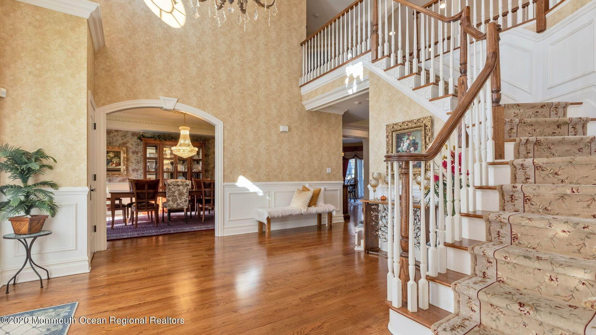 7. Single Family Homes for Sale at 18 Winchester Lane Holmdel, New Jersey 07733 United States