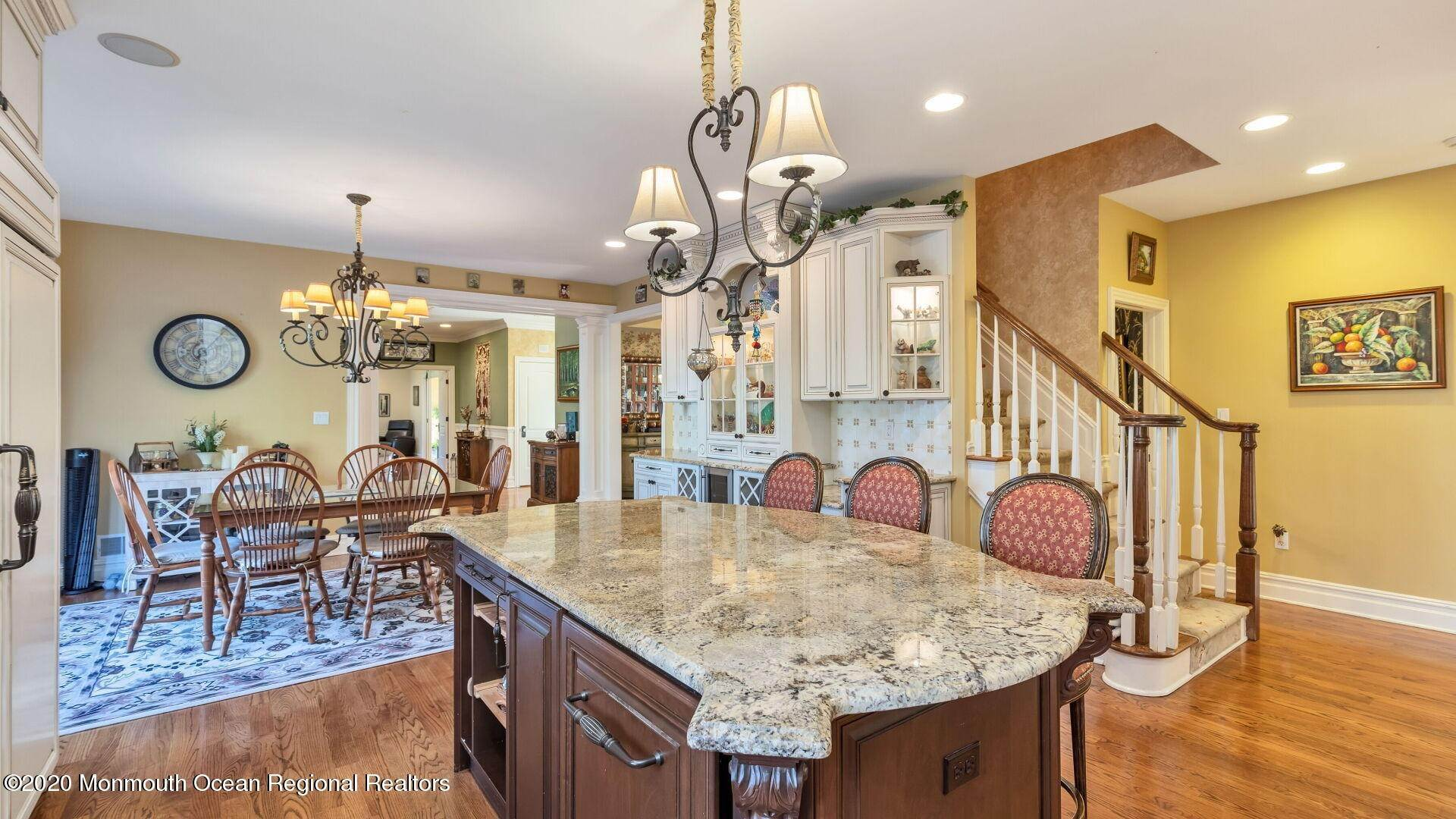 12. Single Family Homes for Sale at 18 Winchester Lane Holmdel, New Jersey 07733 United States