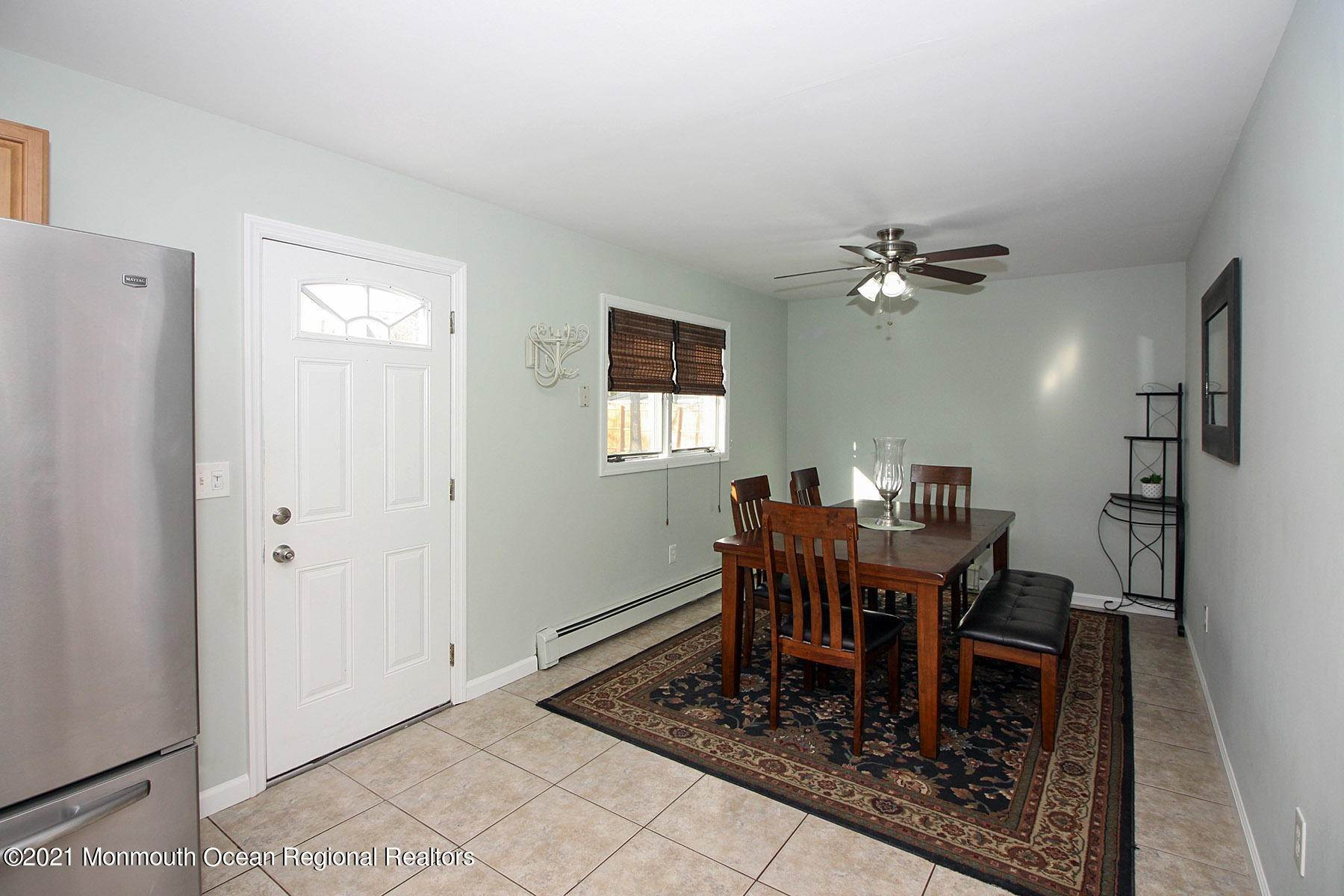 11. Single Family Homes for Sale at 914 Pensacola Road Forked River, New Jersey 08731 United States
