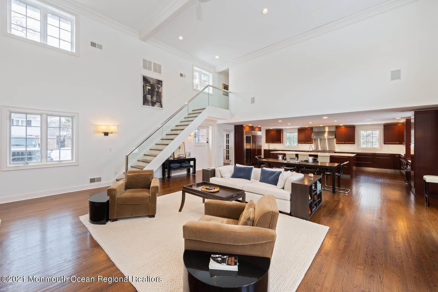 16. Single Family Homes for Sale at 183 Chapel Hill Road Red Bank, New Jersey 07701 United States
