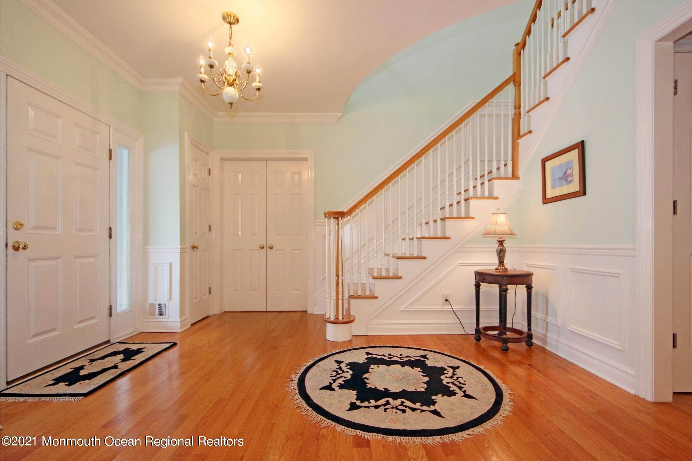 14. Single Family Homes for Sale at 11 Manson Place Little Silver, New Jersey 07739 United States