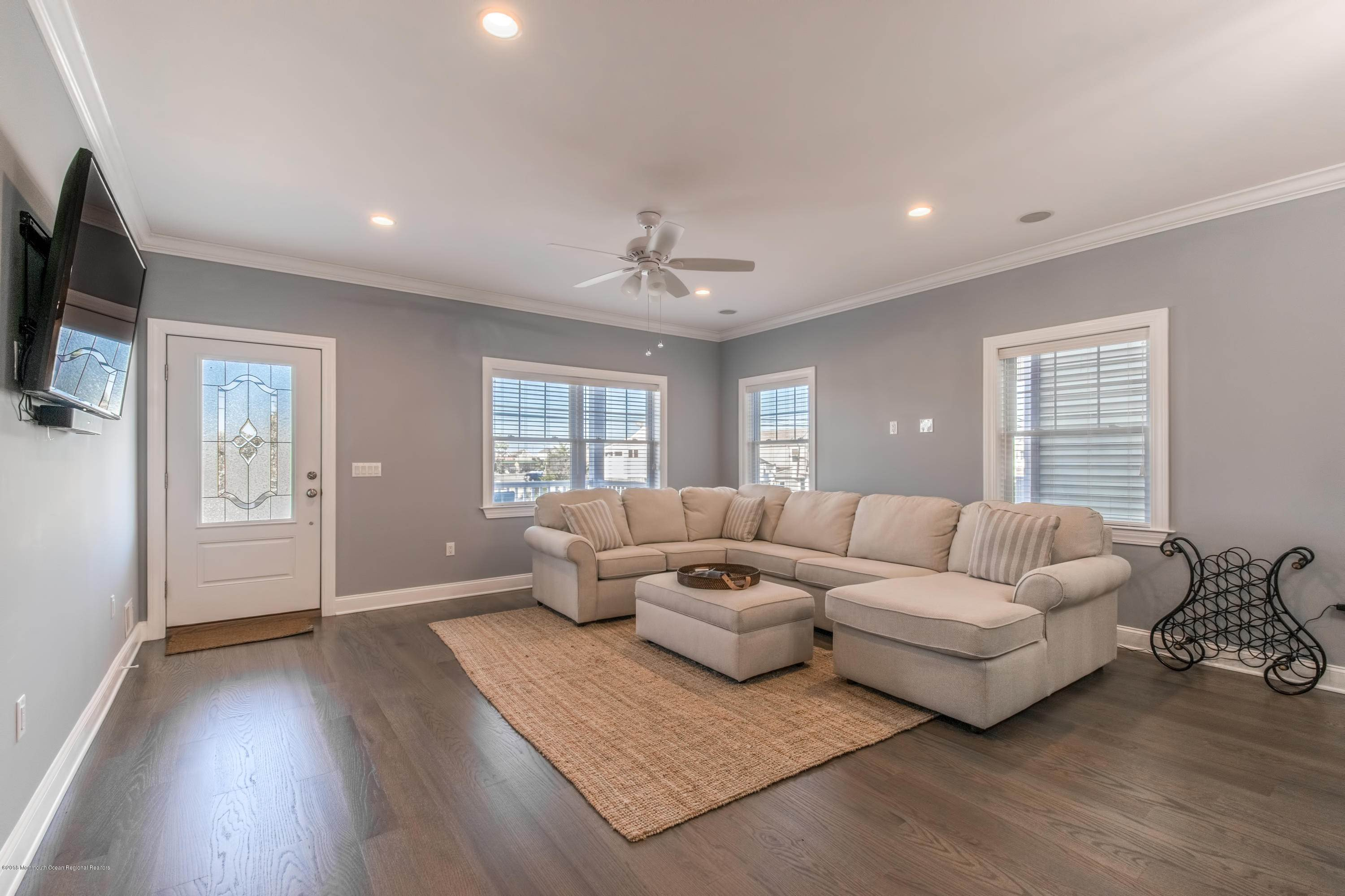 5. Single Family Homes for Sale at 124 Hancock Avenue Seaside Heights, New Jersey 08751 United States
