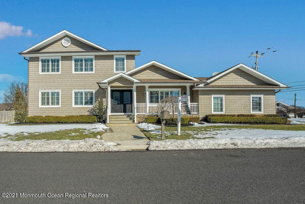 Single Family Homes para Venda às 1 Sailors Way Monmouth Beach, Nova Jersey 07750 Estados Unidos