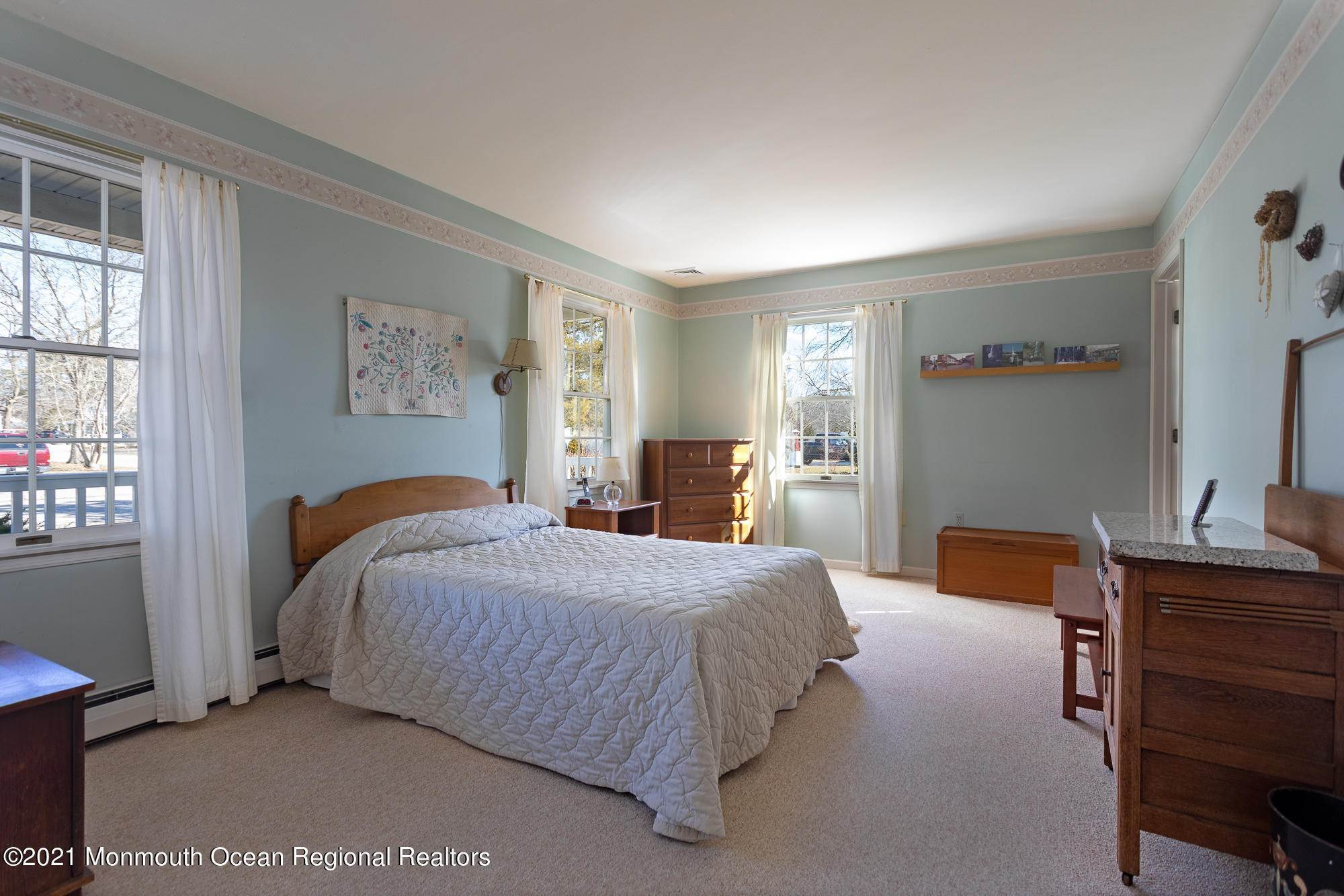 12. Single Family Homes for Sale at 33 Lakewood Avenue Manahawkin, New Jersey 08050 United States