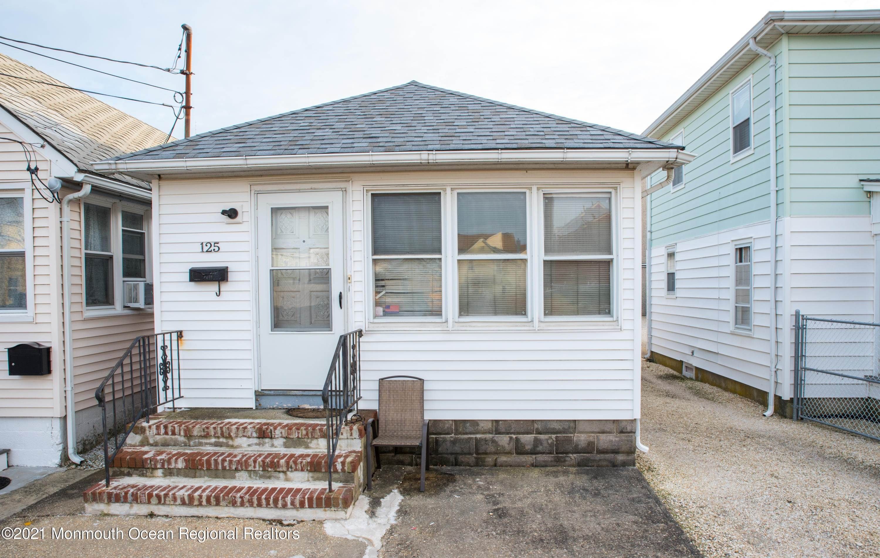 13. Single Family Homes for Sale at 125 Hancock Avenue Seaside Heights, New Jersey 08751 United States