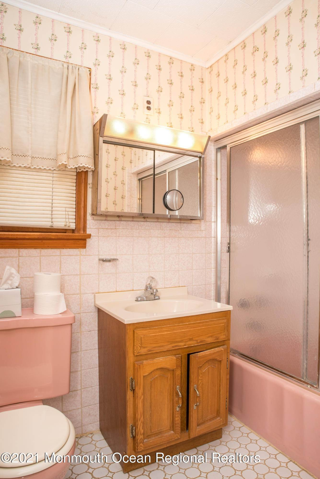 7. Single Family Homes for Sale at 125 Hancock Avenue Seaside Heights, New Jersey 08751 United States
