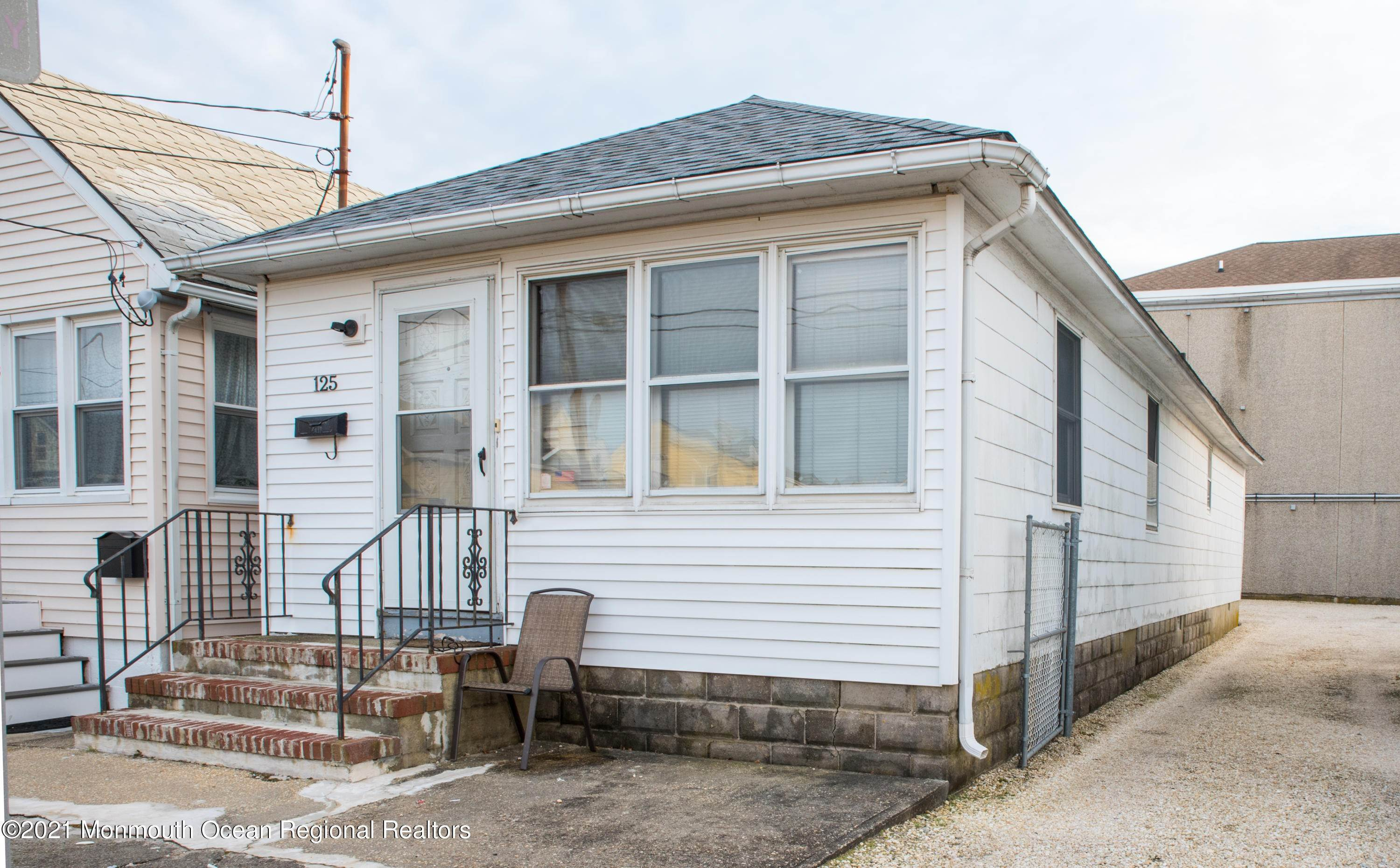 14. Single Family Homes for Sale at 125 Hancock Avenue Seaside Heights, New Jersey 08751 United States