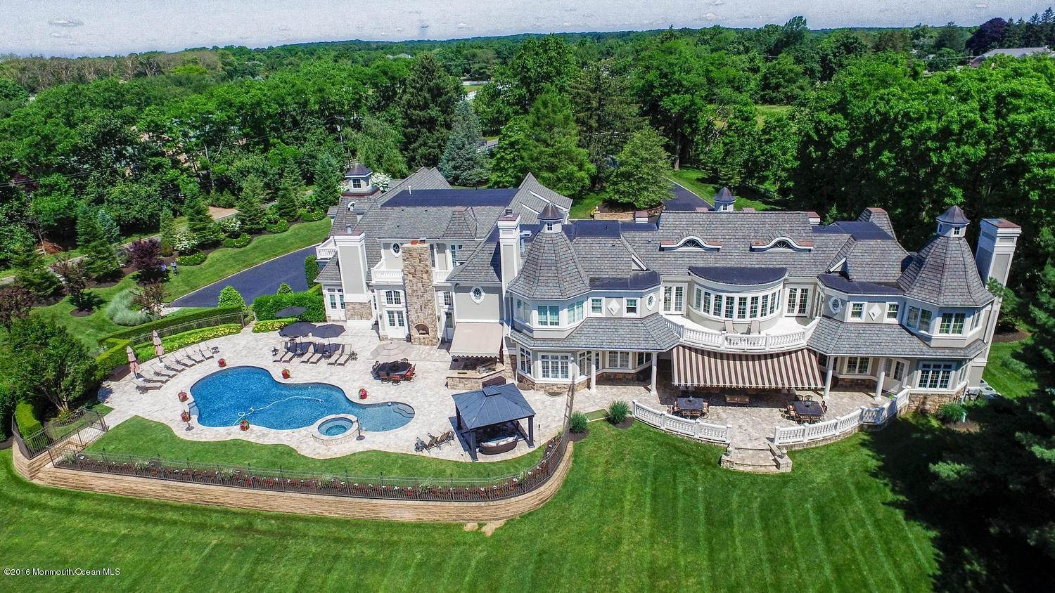 2. Single Family Homes for Sale at 21 Hominy Hill Road Colts Neck, New Jersey 07722 United States
