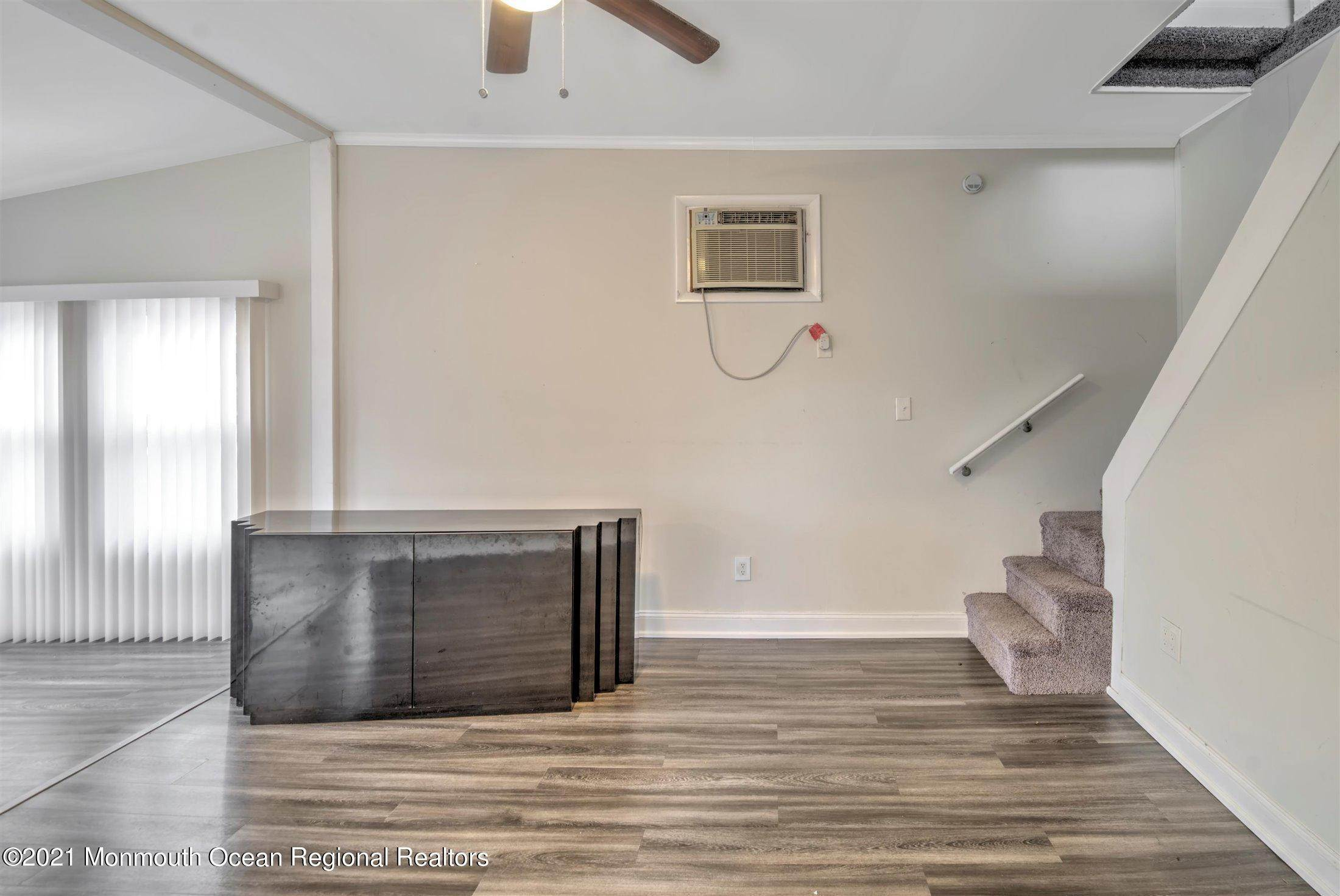 8. Single Family Homes for Sale at 616 Arverne Avenue Ocean Gate, New Jersey 08740 United States
