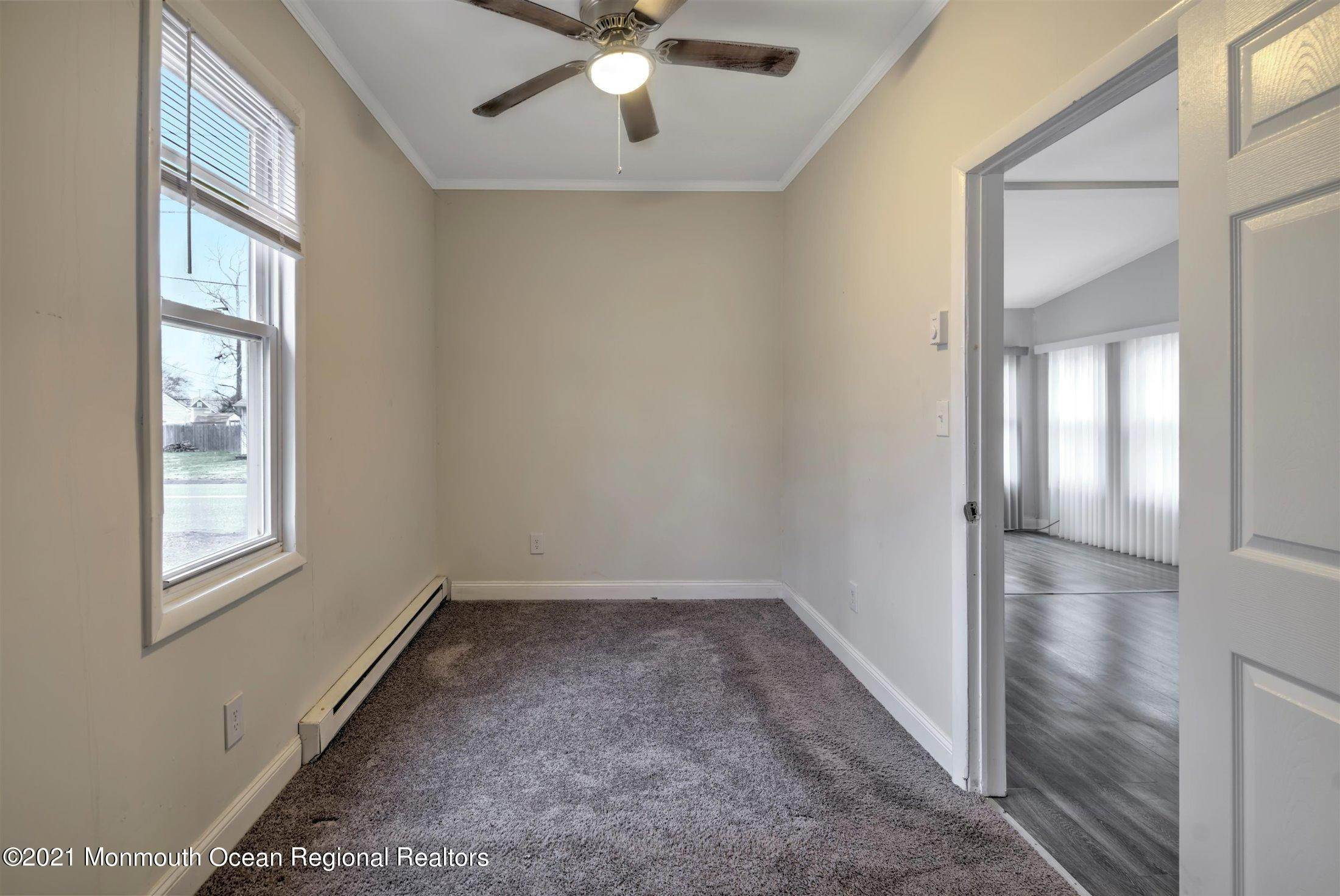 16. Single Family Homes for Sale at 616 Arverne Avenue Ocean Gate, New Jersey 08740 United States