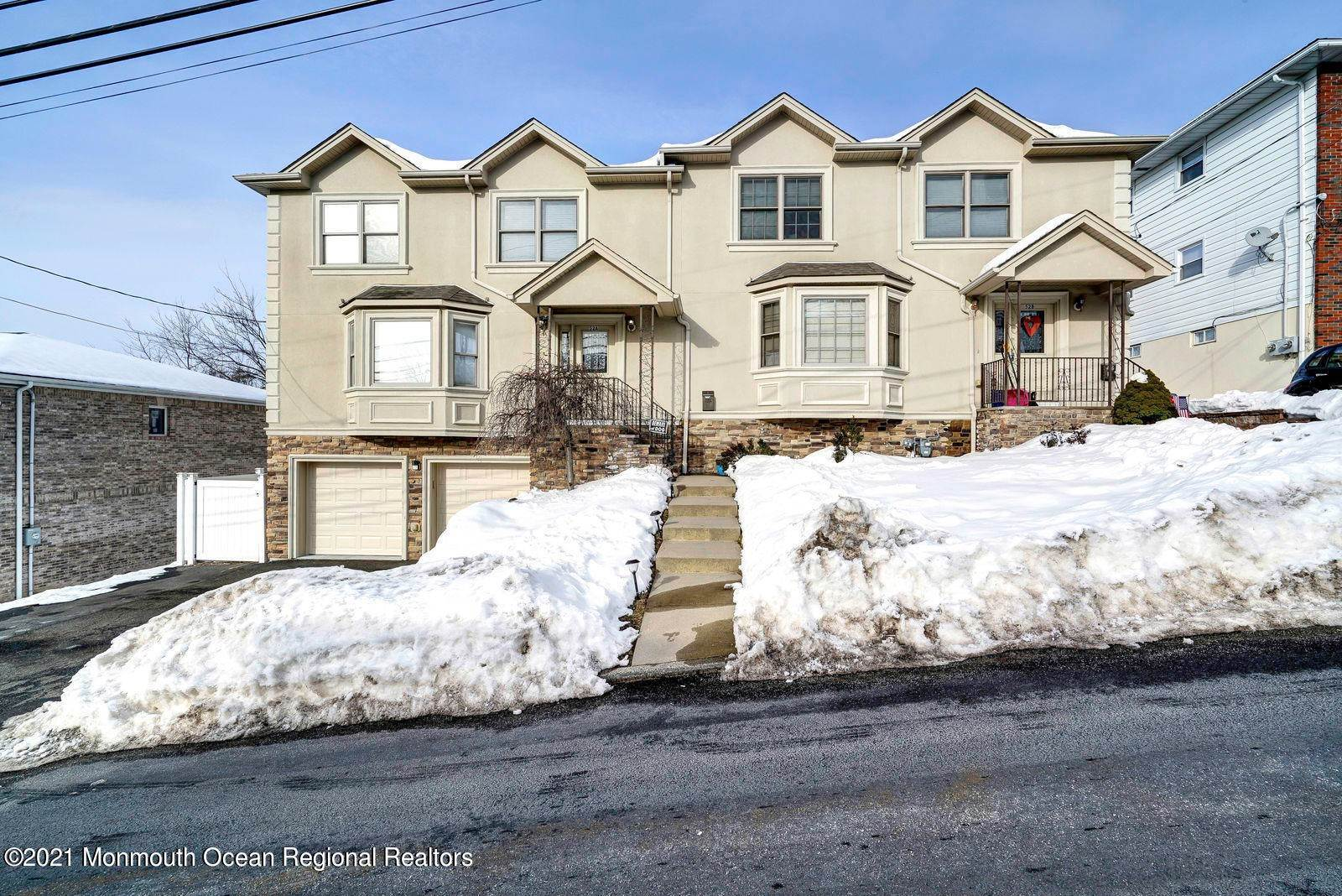 Single Family Homes para Venda às 52A Haverhill Avenue West Paterson, Nova Jersey 07424 Estados Unidos