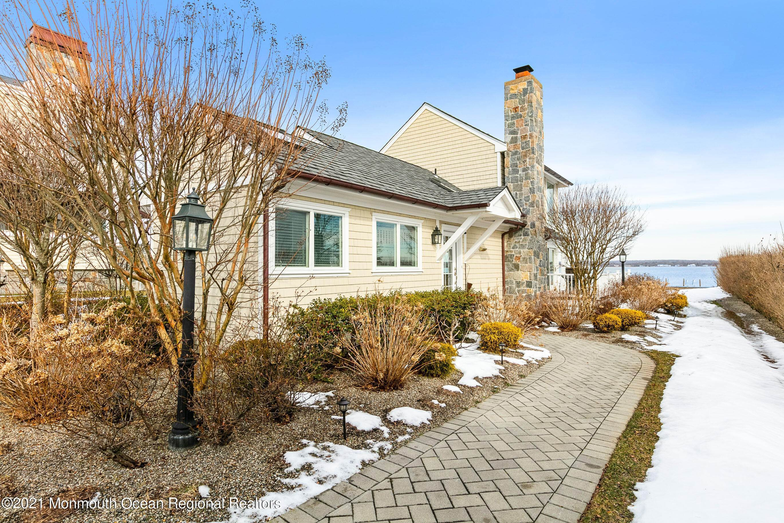 4. Single Family Homes for Sale at 9 Pocano Avenue Oceanport, New Jersey 07757 United States