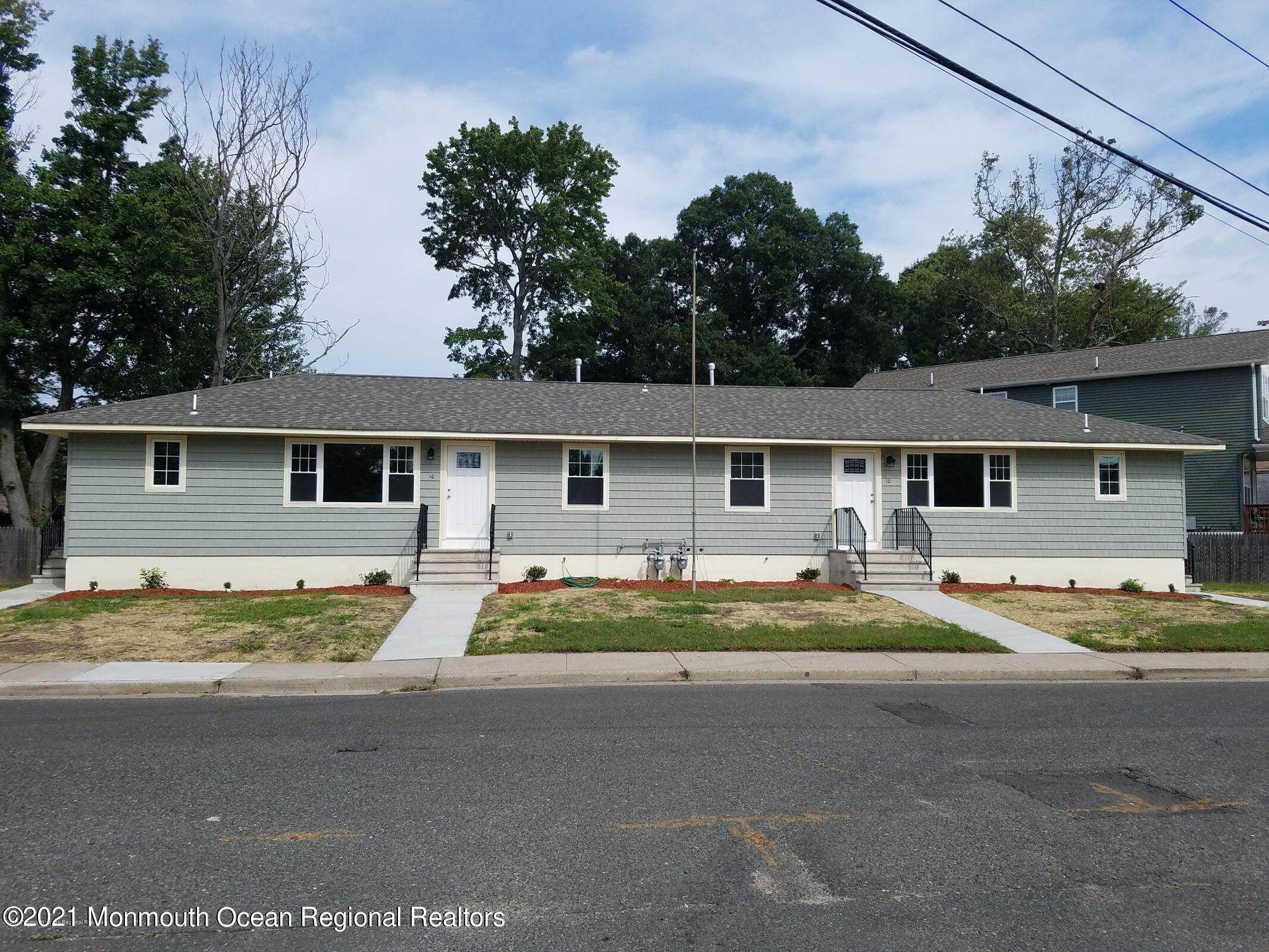 Single Family Homes em 12 Forest Avenue Keansburg, Nova Jersey 07734 Estados Unidos