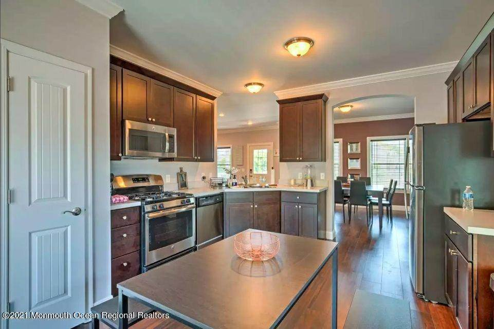 10. Single Family Homes for Sale at 50 Miller Street Highlands, New Jersey 07732 United States