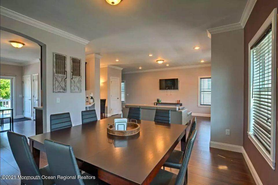 9. Single Family Homes for Sale at 50 Miller Street Highlands, New Jersey 07732 United States