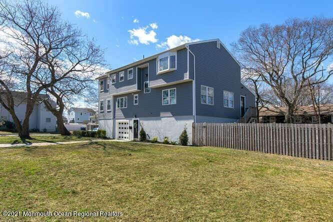 5. Single Family Homes for Sale at 88 Brainard Avenue Port Monmouth, New Jersey 07758 United States