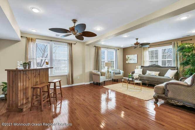 8. Single Family Homes for Sale at 88 Brainard Avenue Port Monmouth, New Jersey 07758 United States