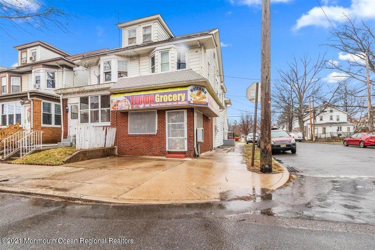 Multi-Family Homes for Sale at 1142 Genesee Street Trenton, New Jersey 08610 United States