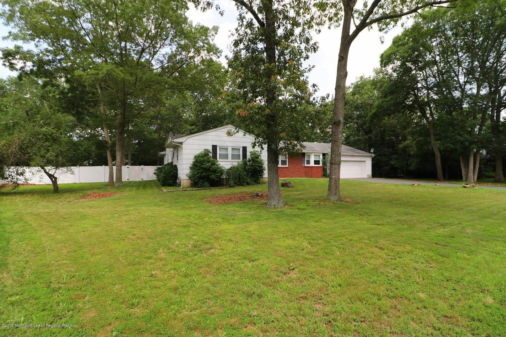 3. Single Family Homes for Sale at 250 Juniper Lane Forked River, New Jersey 08731 United States