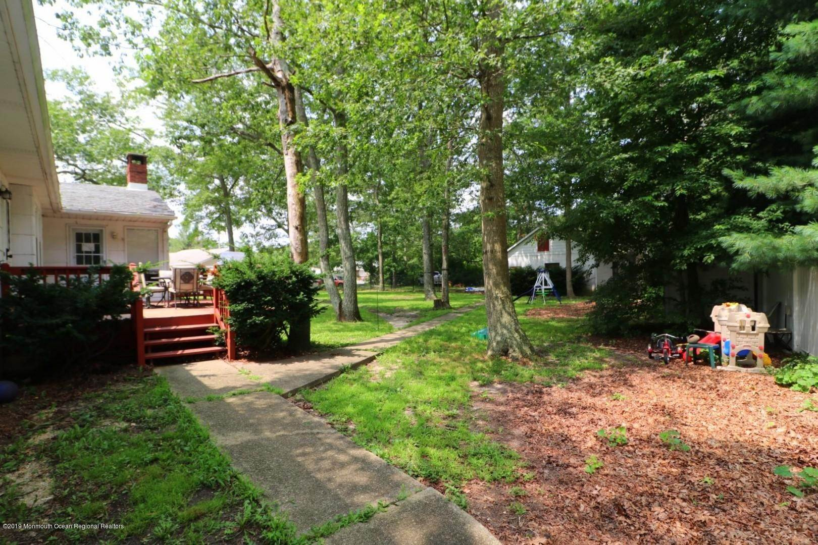 7. Single Family Homes for Sale at 250 Juniper Lane Forked River, New Jersey 08731 United States
