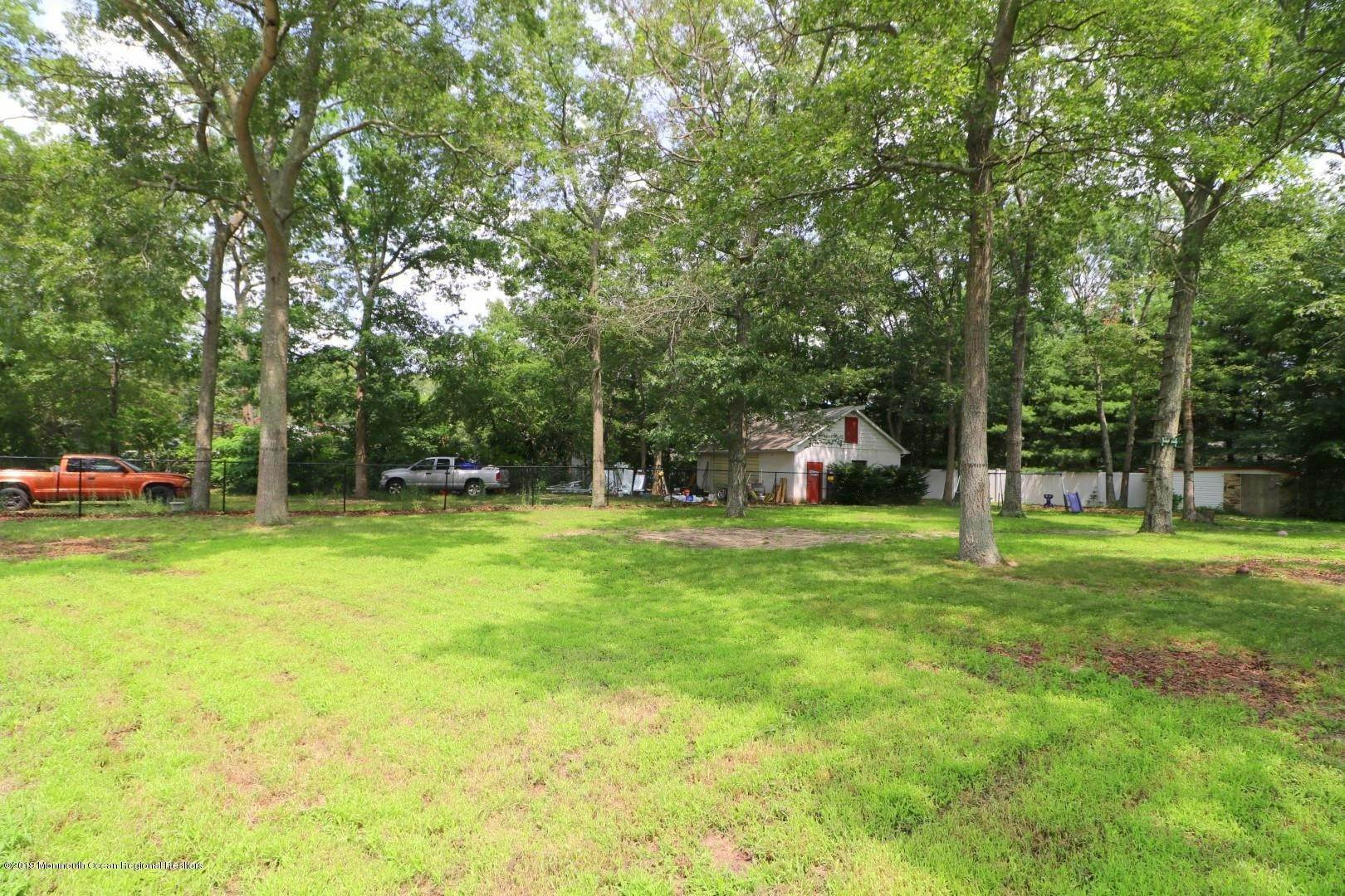 12. Single Family Homes for Sale at 250 Juniper Lane Forked River, New Jersey 08731 United States