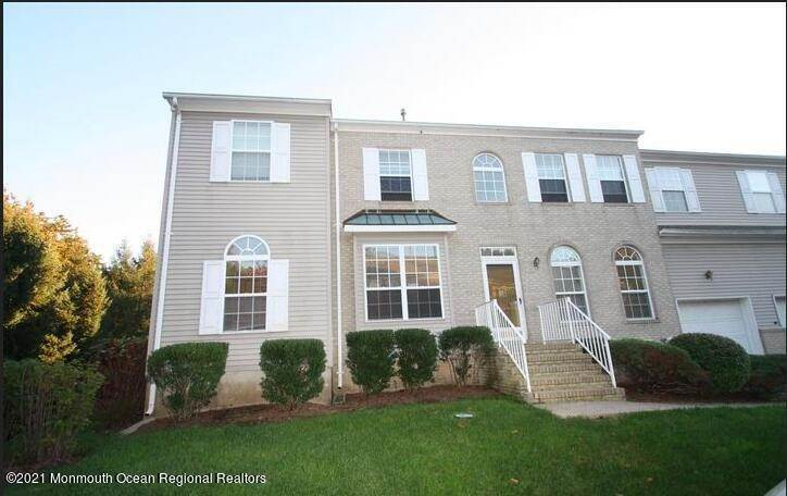 Condominiums for Sale at 16 Primrose Court Holmdel, New Jersey 07733 United States