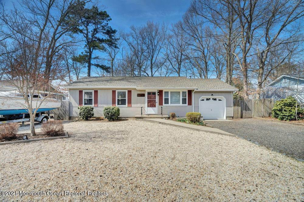 18. Single Family Homes for Sale at 84 Shore Avenue Manahawkin, New Jersey 08050 United States