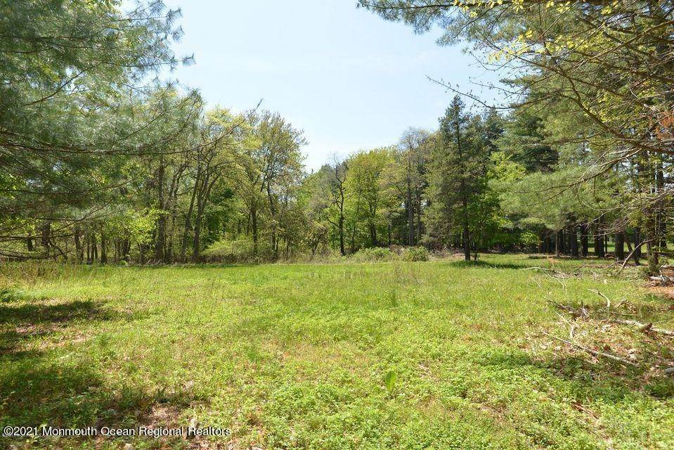 8. Land for Sale at 21 Raintree Court Holmdel, New Jersey 07733 United States