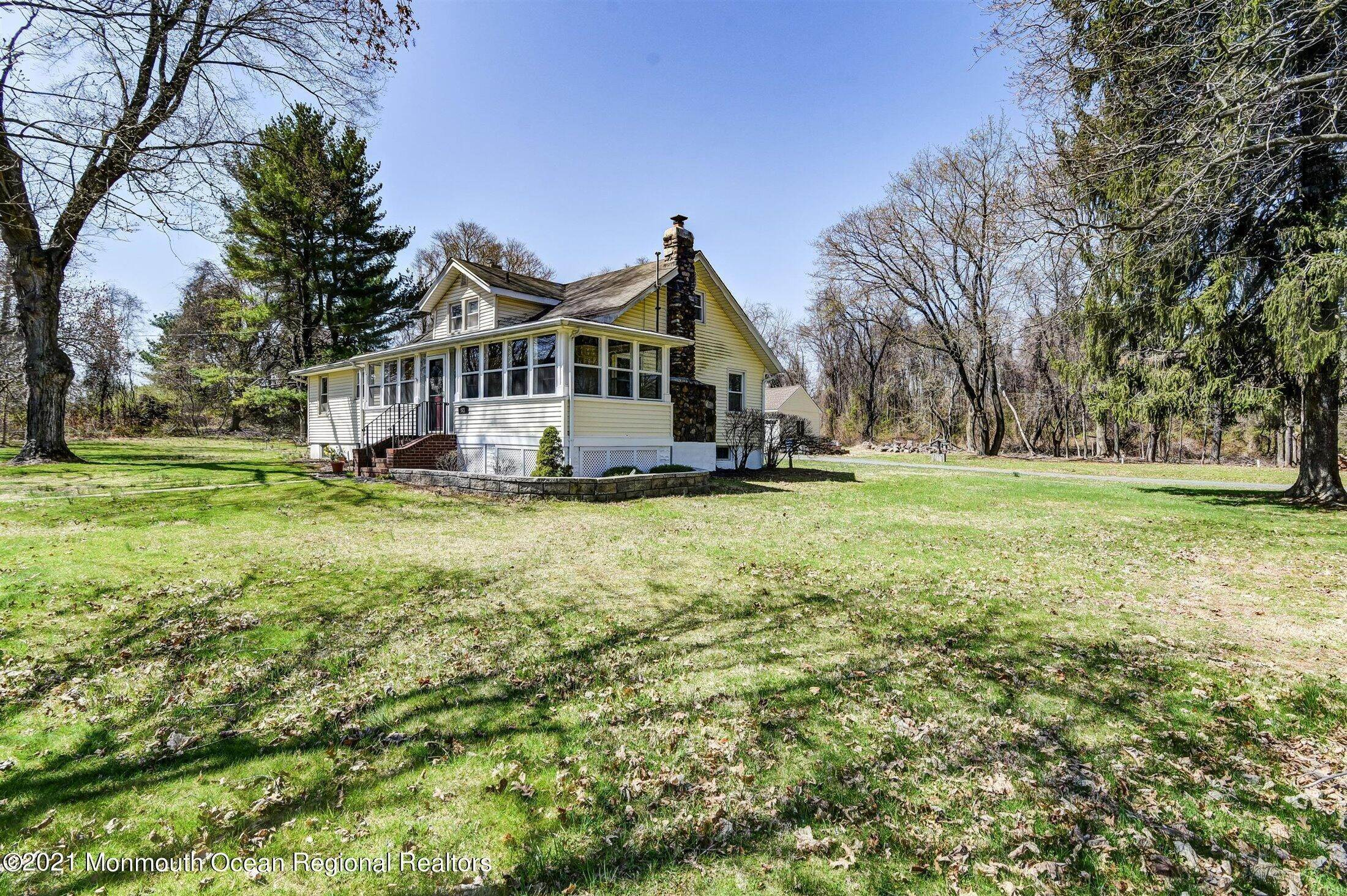 Single Family Homes for Sale at 521 County Road 523 Whitehouse Station, New Jersey 08889 United States