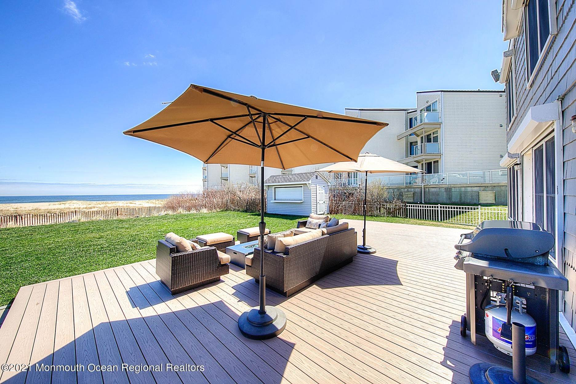 4. Single Family Homes for Sale at 1 Ocean Avenue Monmouth Beach, New Jersey 07750 United States