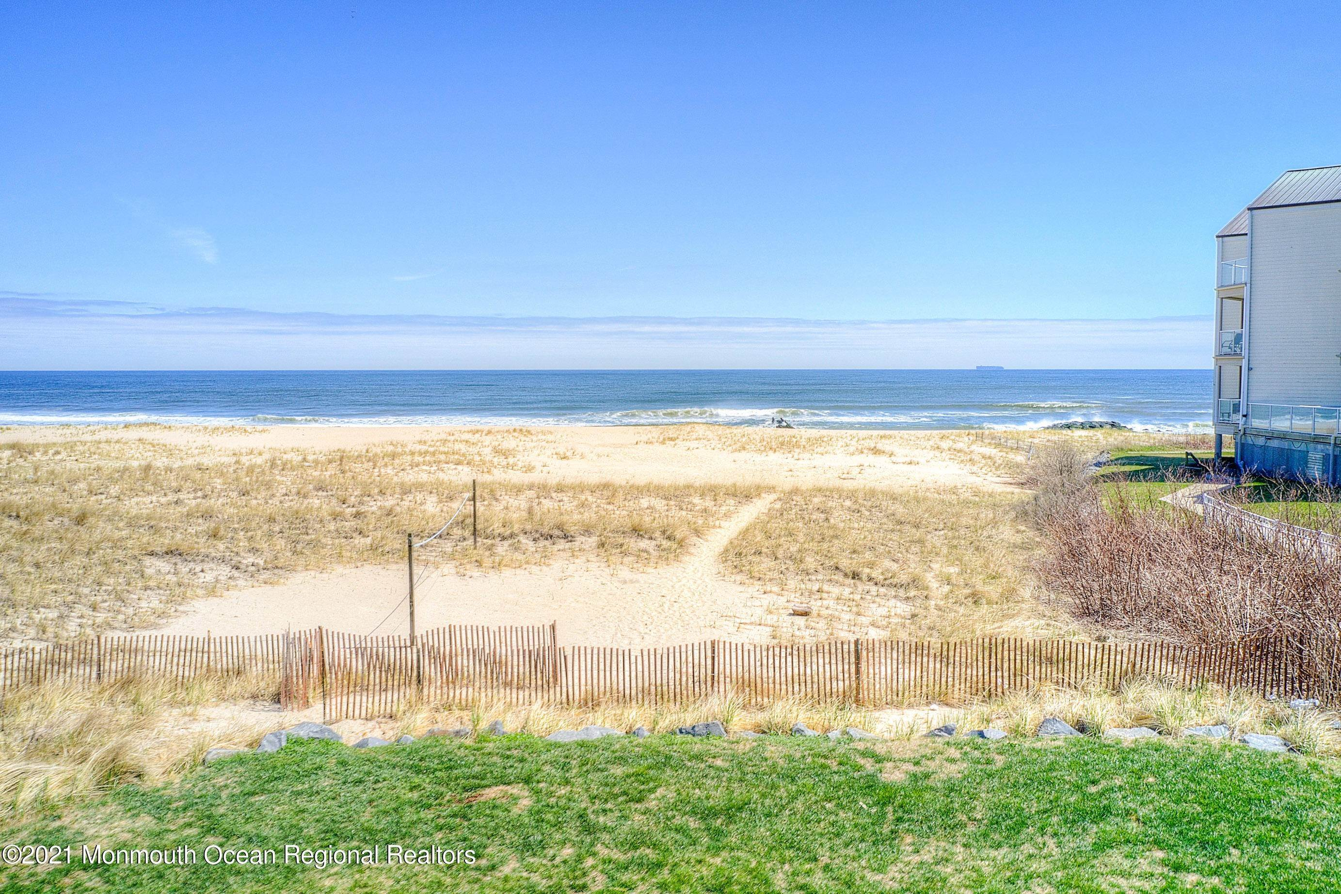 5. Single Family Homes for Sale at 1 Ocean Avenue Monmouth Beach, New Jersey 07750 United States