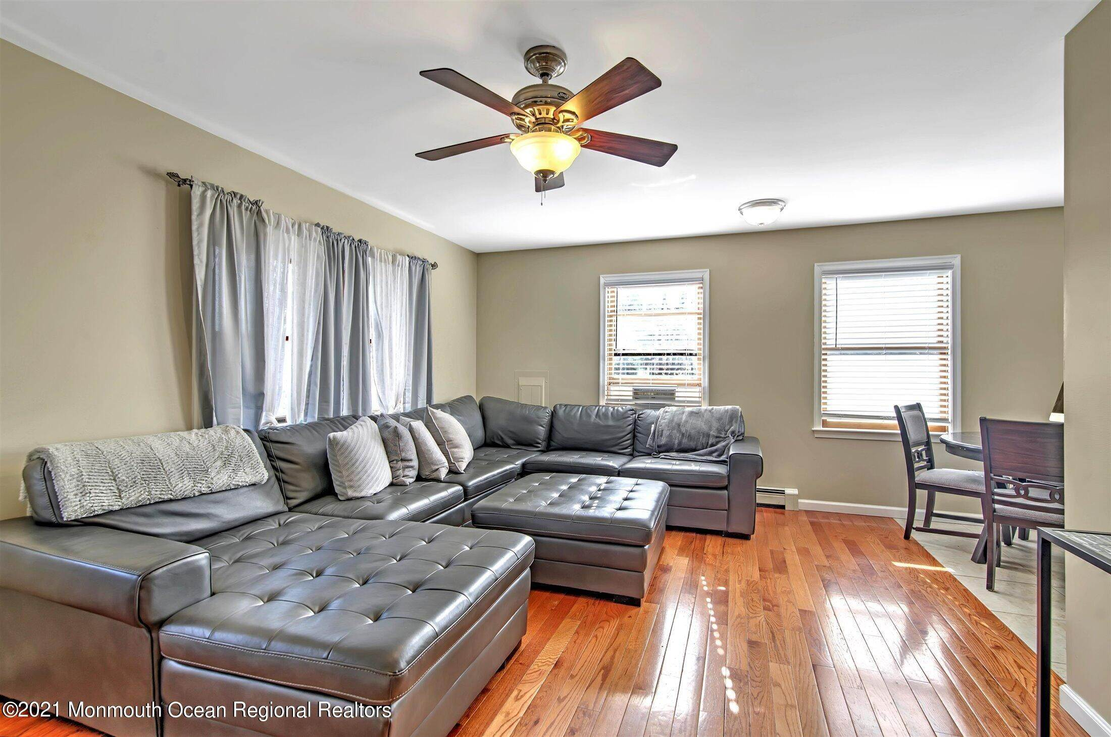 5. Single Family Homes for Sale at 743 Chelsea Street Forked River, New Jersey 08731 United States