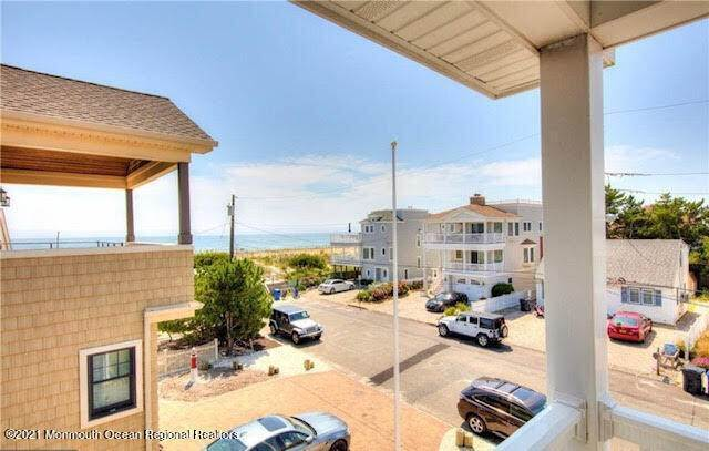 16. Single Family Homes for Sale at 17 7th Street Beach Haven, New Jersey 08008 United States