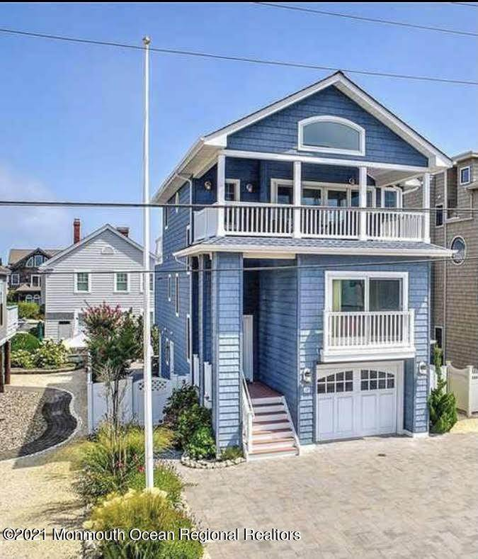 2. Single Family Homes for Sale at 17 7th Street Beach Haven, New Jersey 08008 United States