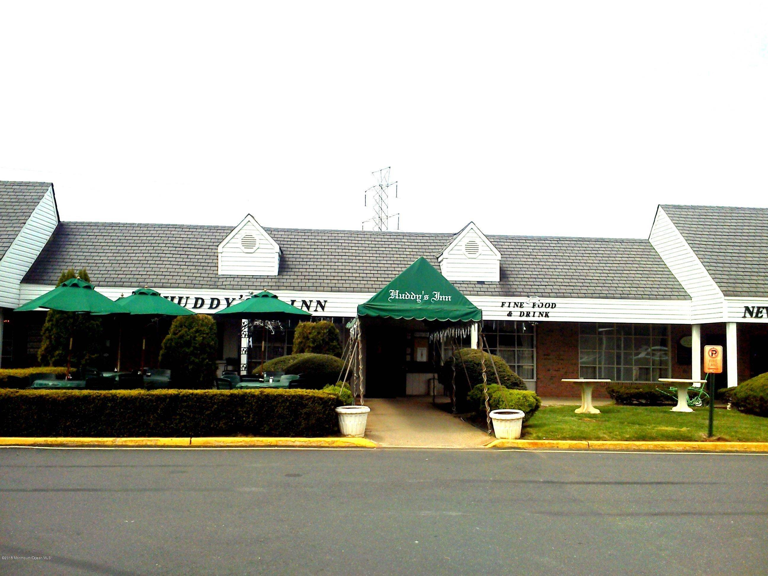 Comercial em 420 Route 34 Colts Neck, Nova Jersey 07722 Estados Unidos