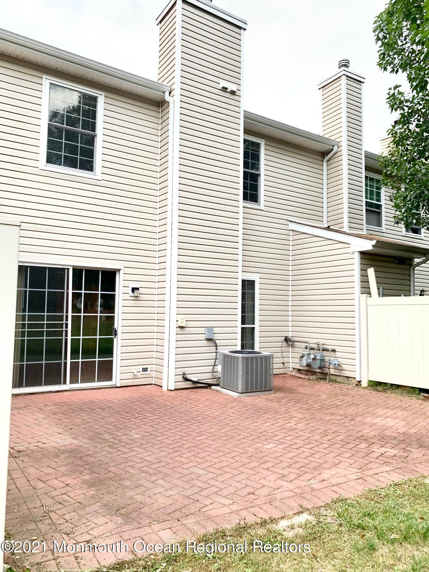 9. Condominiums for Sale at 130 Radcliff Place Morganville, New Jersey 07751 United States