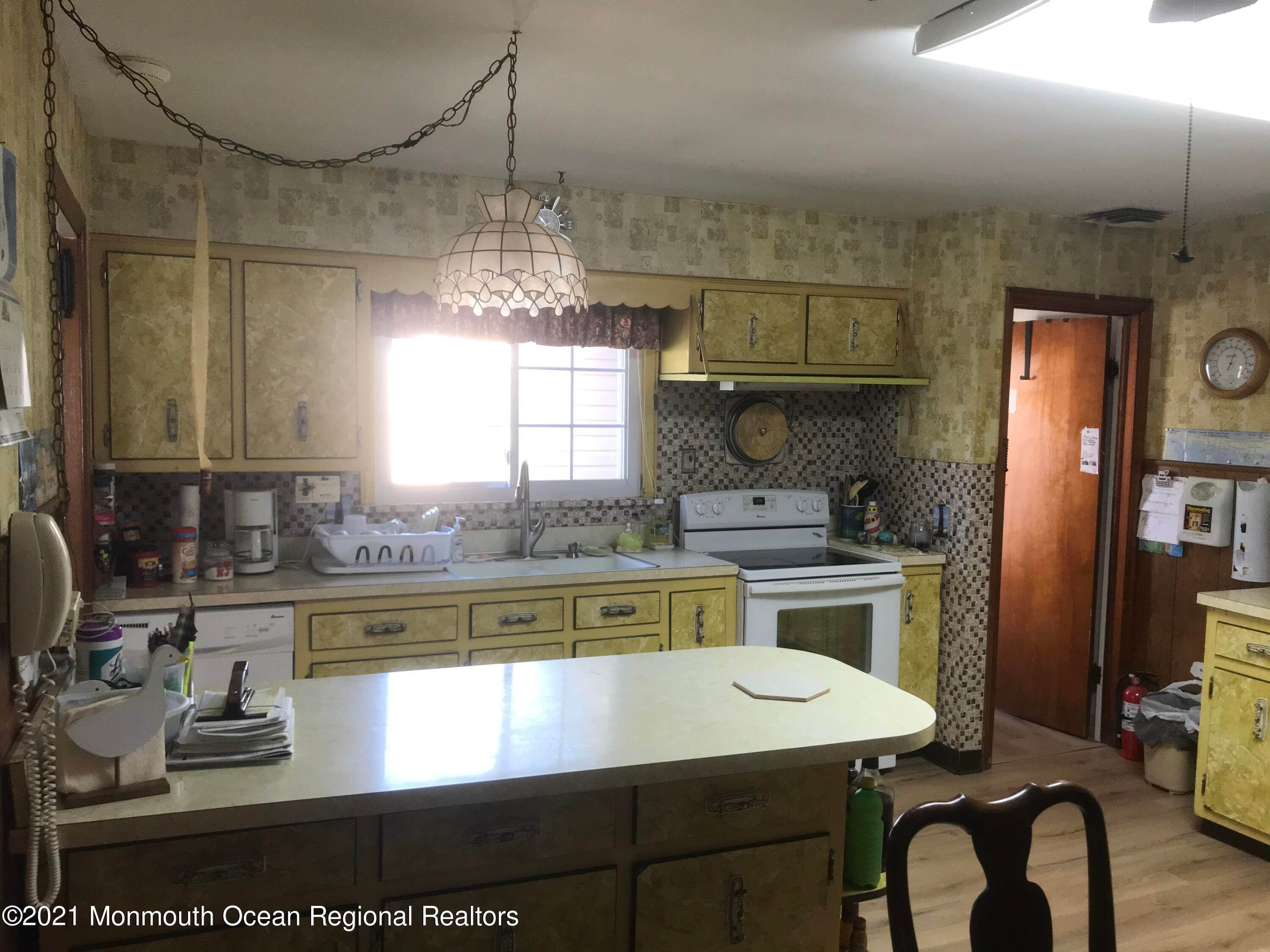 14. Single Family Homes for Sale at 206 Bay Boulevard Seaside Heights, New Jersey 08751 United States