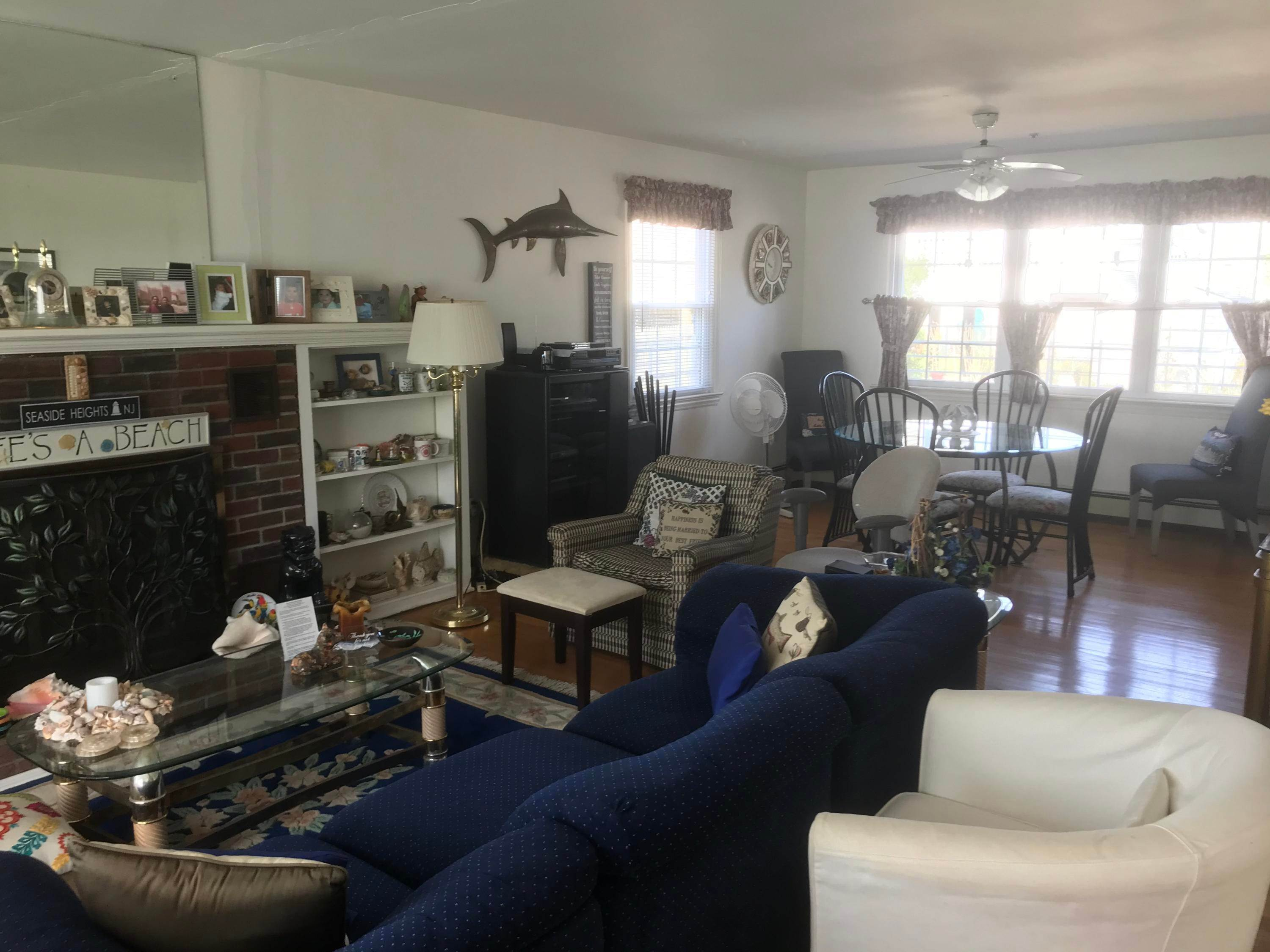 9. Single Family Homes for Sale at 206 Bay Boulevard Seaside Heights, New Jersey 08751 United States